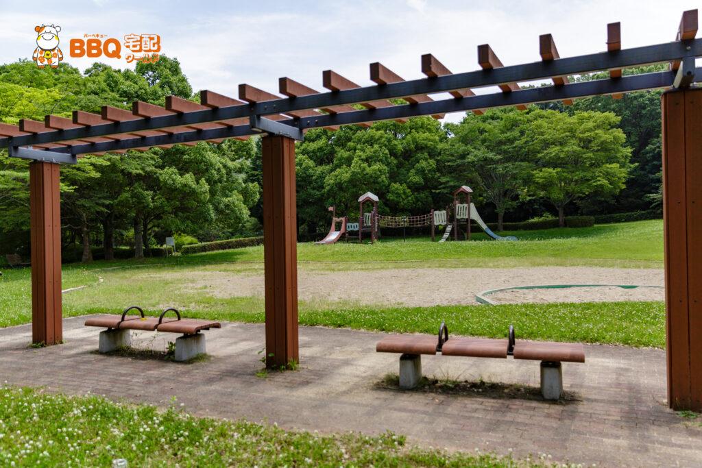 志方東公園の遊具