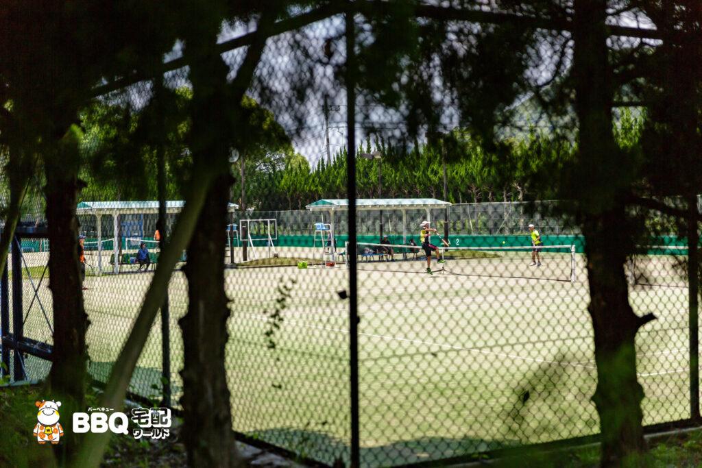 志方東公園のテニス場