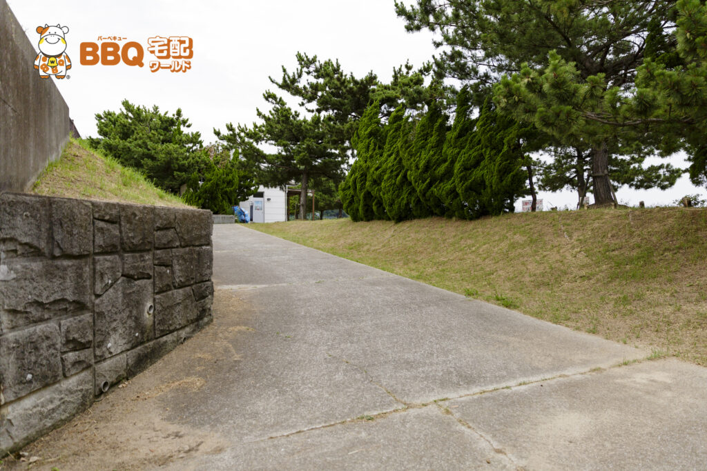 淡路島・炬口海水浴場駐車場からの道2