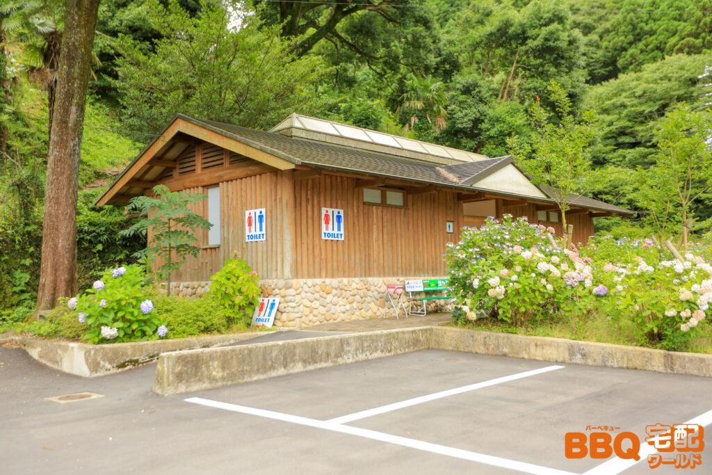 滝畑湖畔BBQ場のトイレ