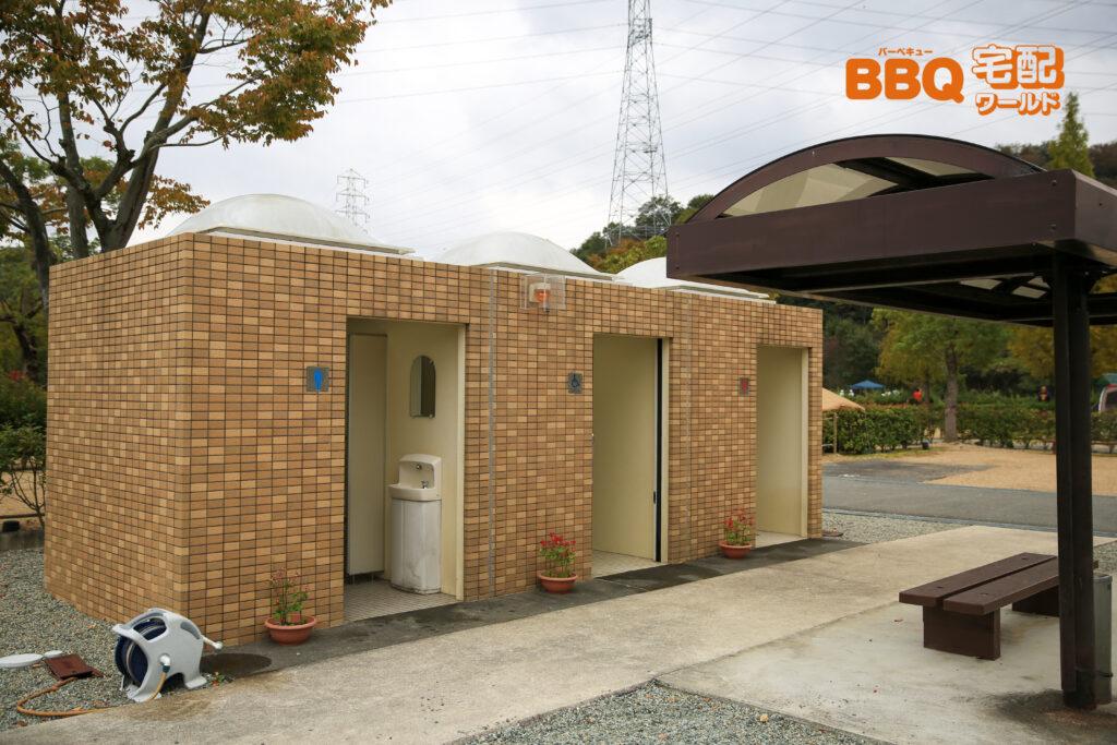 権現総合公園キャンプ場のトイレ