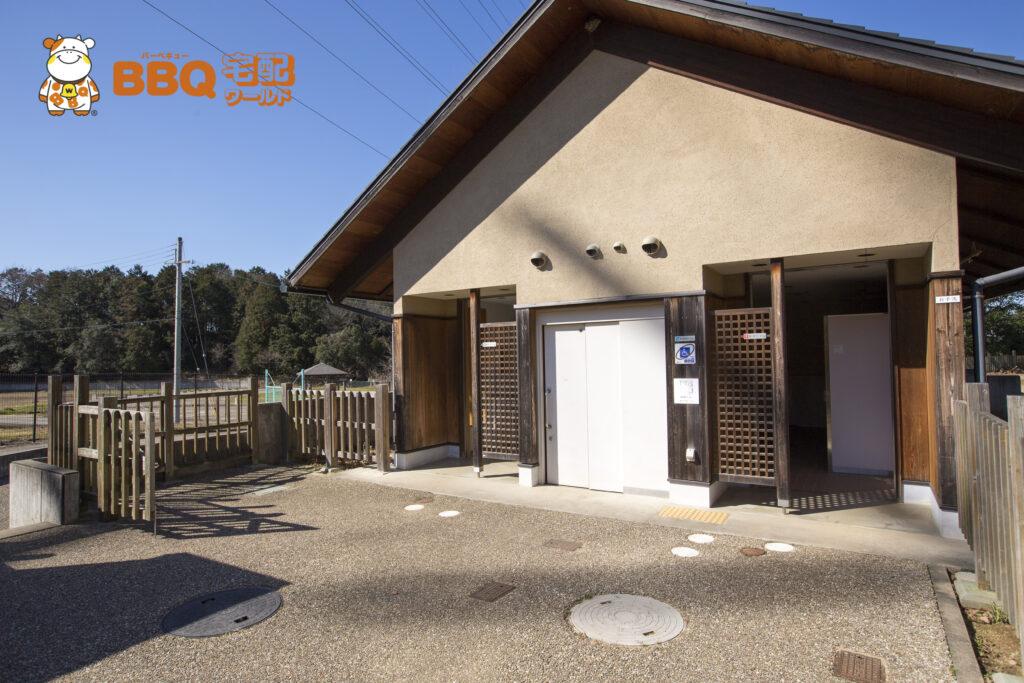 熊取町野外活動ふれあい広場のトイレ