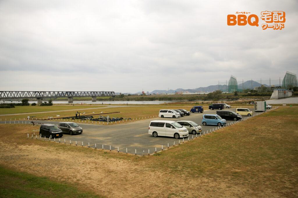 加古川河川敷緑地河原地区の駐車場