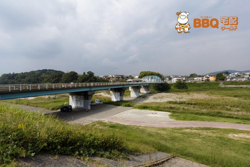 貴志川河川敷BBQ場全景