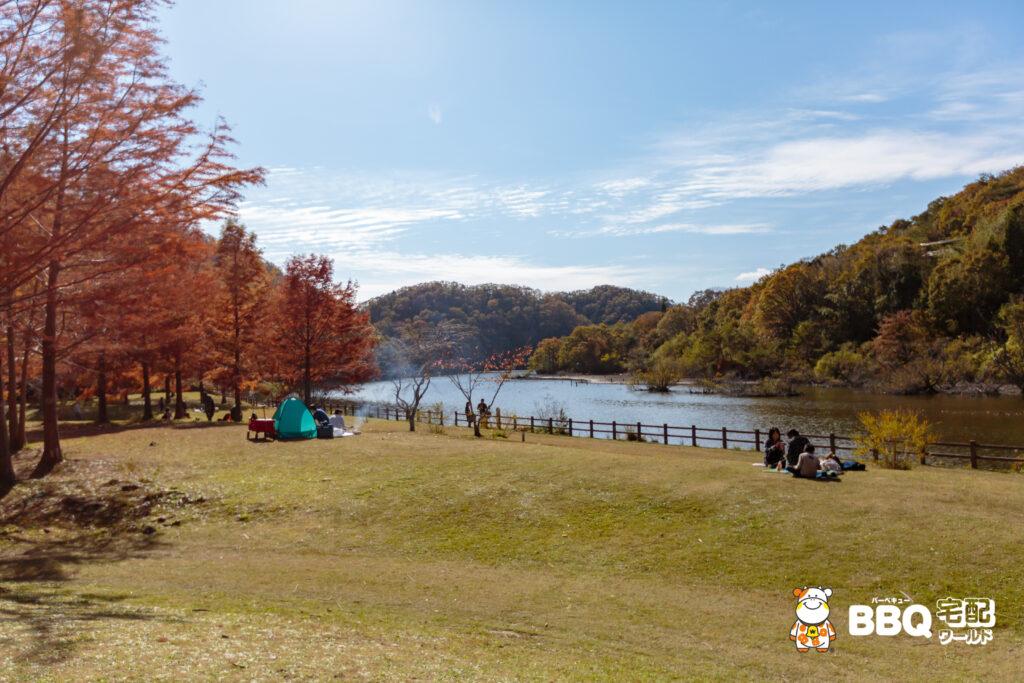 小野公園BBQエリアと千丈湖