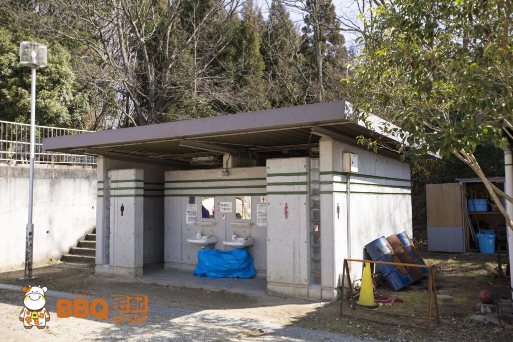 四条畷市立野外活動センターのトイレ