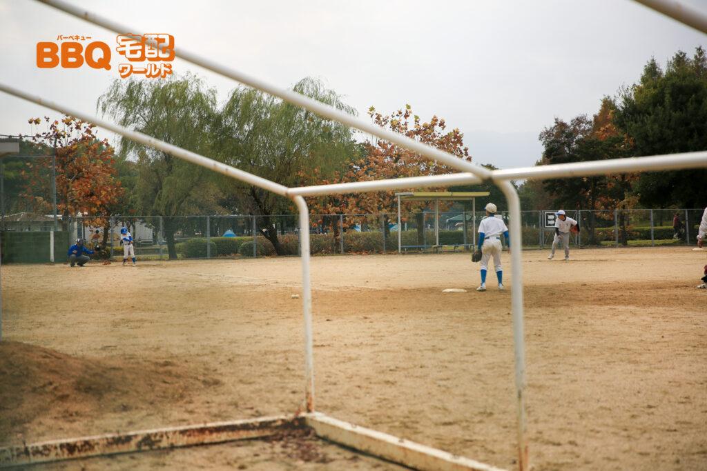 矢橋帰帆島公園の多目的グラウンドでの野球