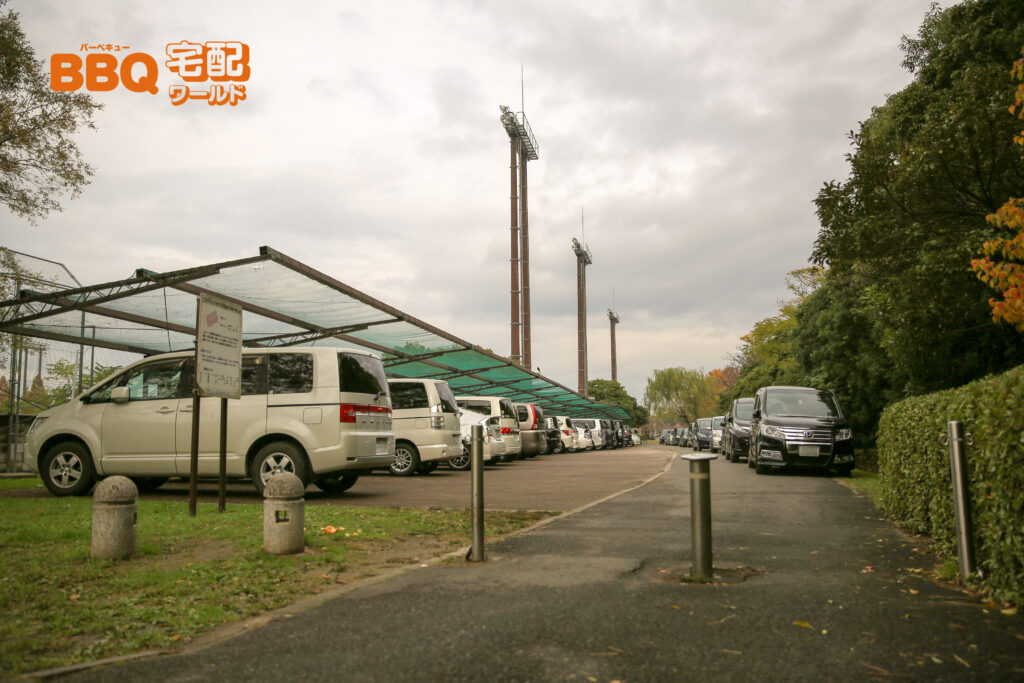 矢橋帰帆島公園BBQ場の駐車場