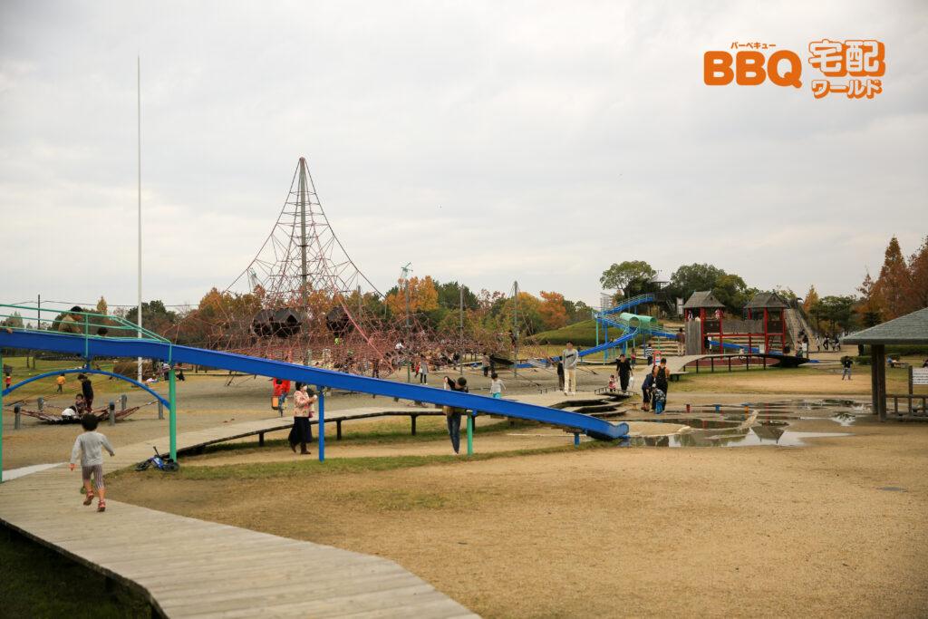 矢橋帰帆島公園の子供広場