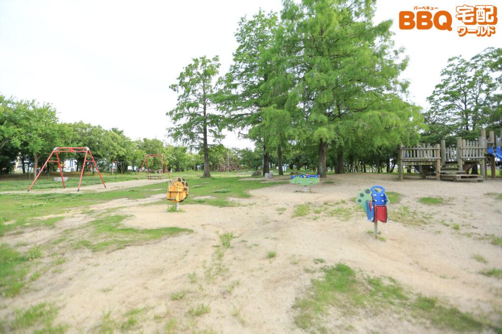舟渡池公園の遊具広場