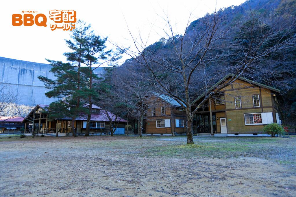 下北山スポーツ公園キャンプ場A型コテージ