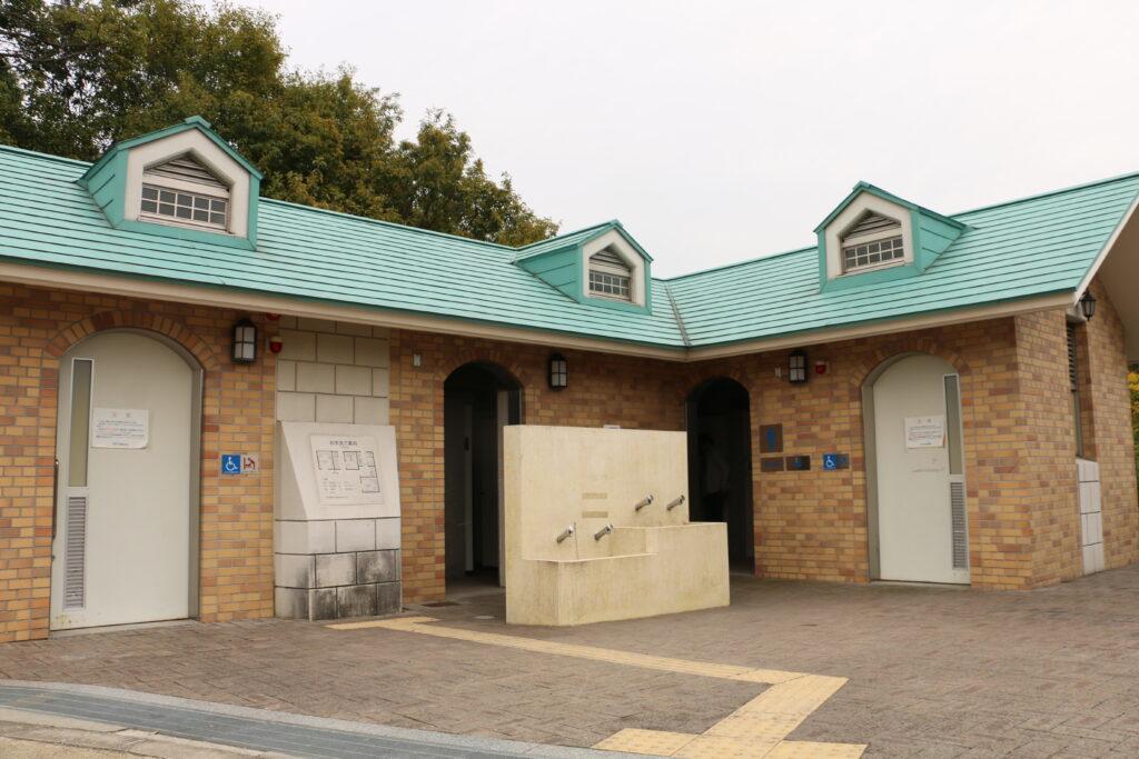 寝屋川公園BBQトイレ